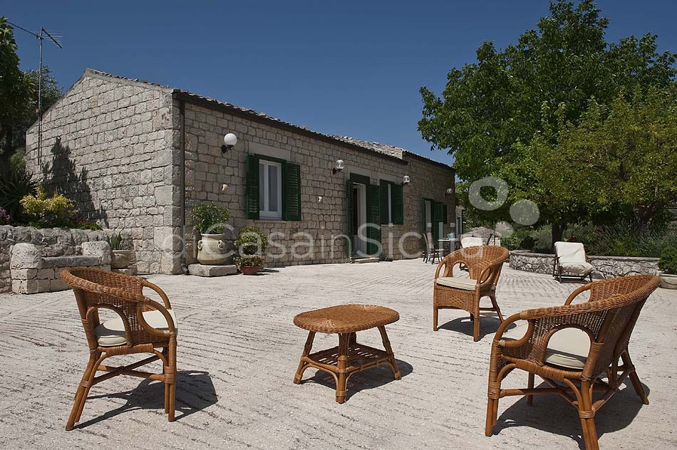 Villetta Sara Country House with Garden for rent near Modica Sicily - 2