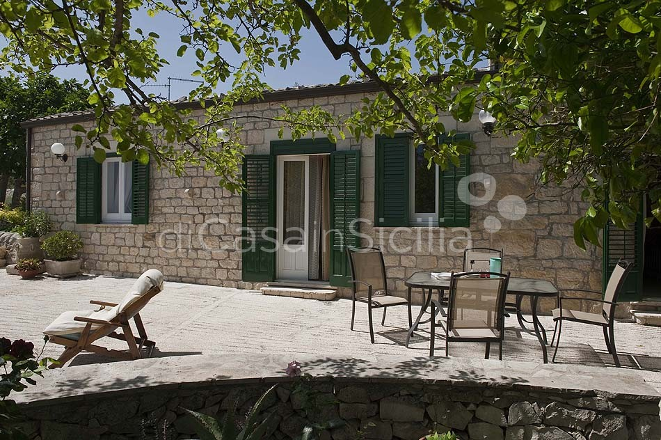 Villetta Sara Country House with Garden for rent near Modica Sicily - 3