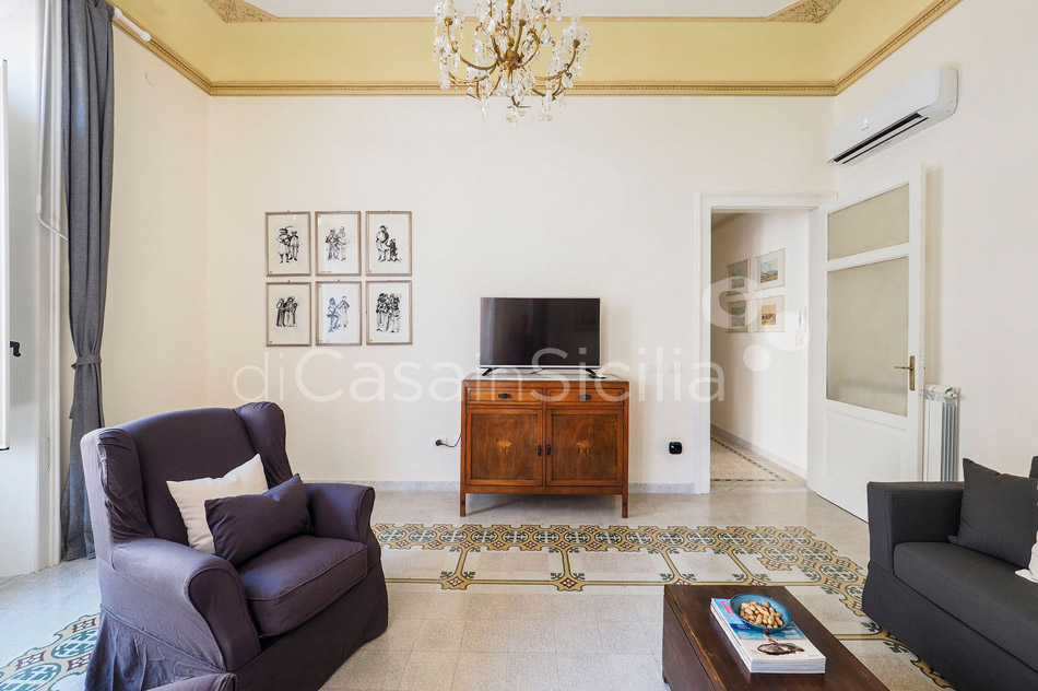 Zia Emma Apartment with Terrace for rent in Noto Sicily - 10
