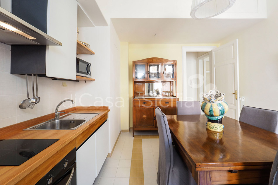 Zia Emma Apartment with Terrace for rent in Noto Sicily - 12