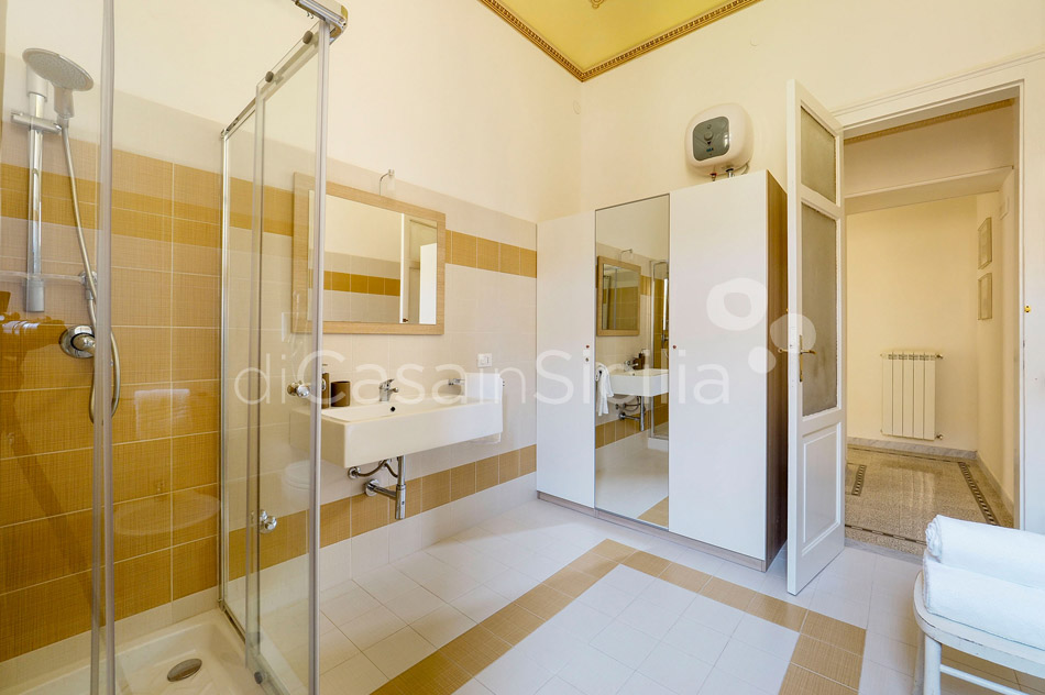 Zia Emma Apartment with Terrace for rent in Noto Sicily - 19