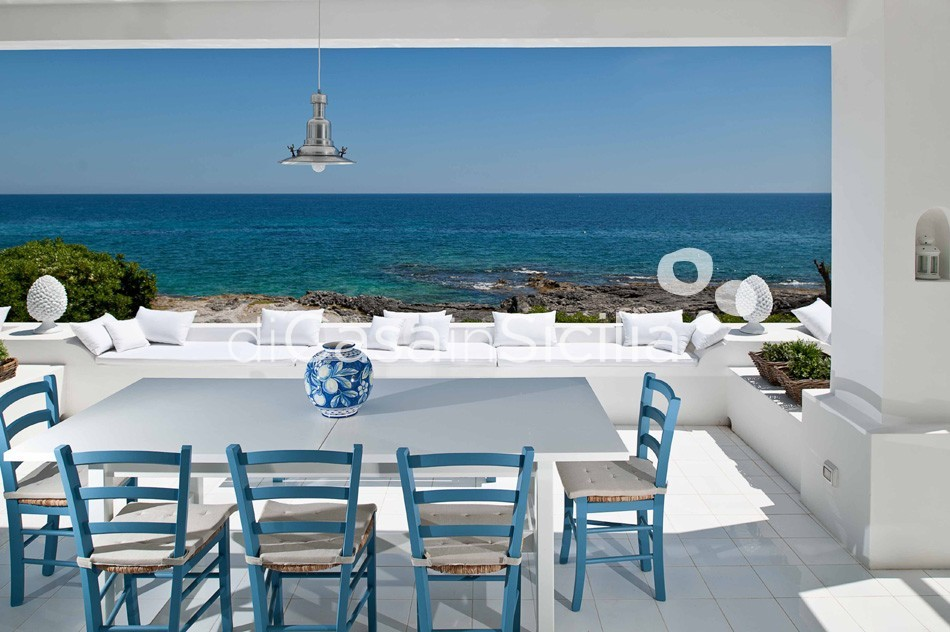 Casa Blu Seafront Villa for rent in Fontane Bianche Sicily - 5