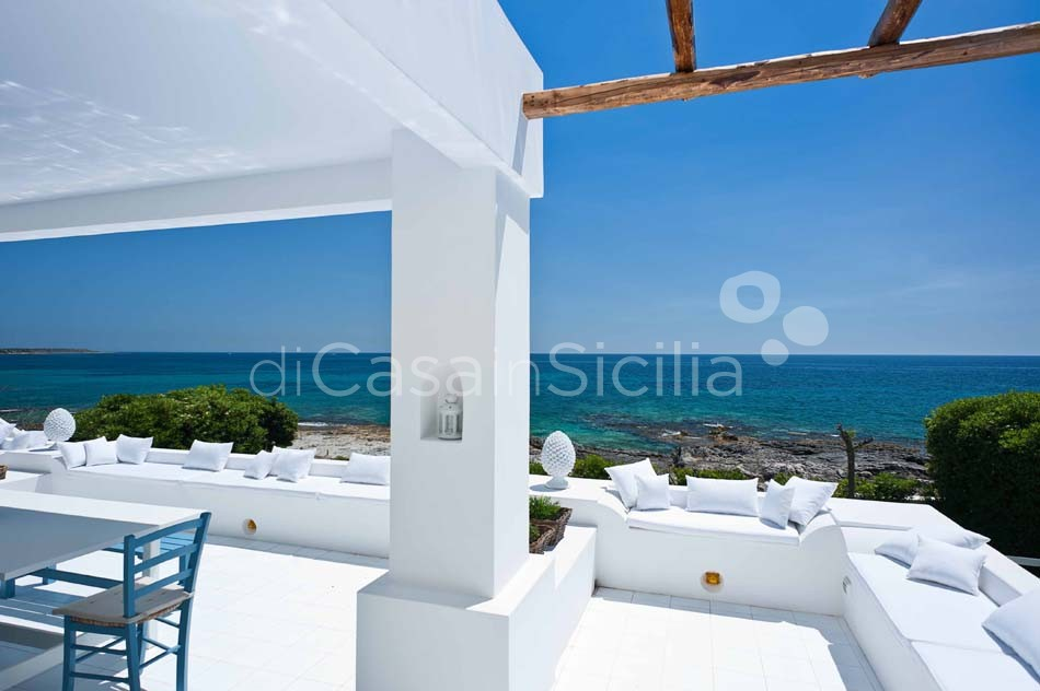 Casa Blu Seafront Villa for rent in Fontane Bianche Sicily - 6