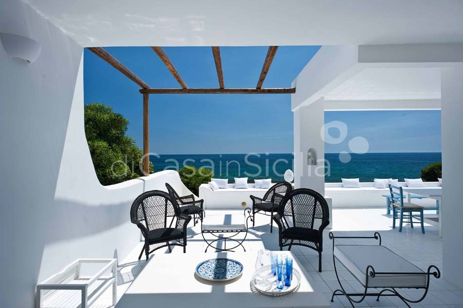 Casa Blu Seafront Villa for rent in Fontane Bianche Sicily - 9