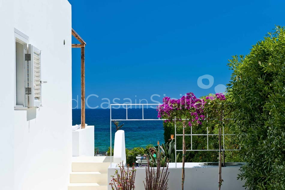 Casa Blu Seafront Villa for rent in Fontane Bianche Sicily - 25