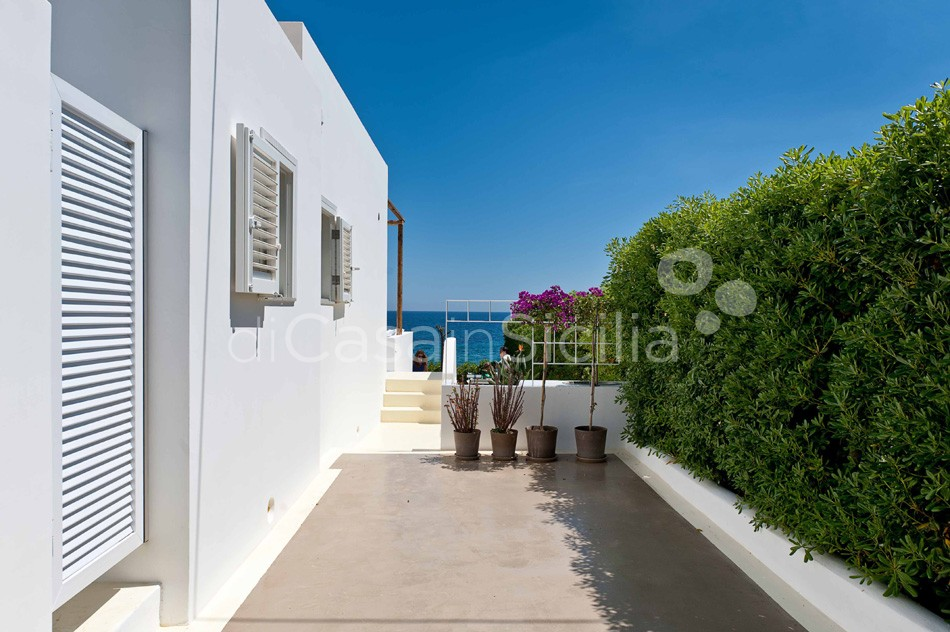 Casa Blu Seafront Villa for rent in Fontane Bianche Sicily - 26
