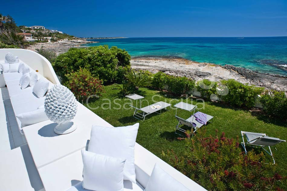 Casa Blu Seafront Villa for rent in Fontane Bianche Sicily - 27