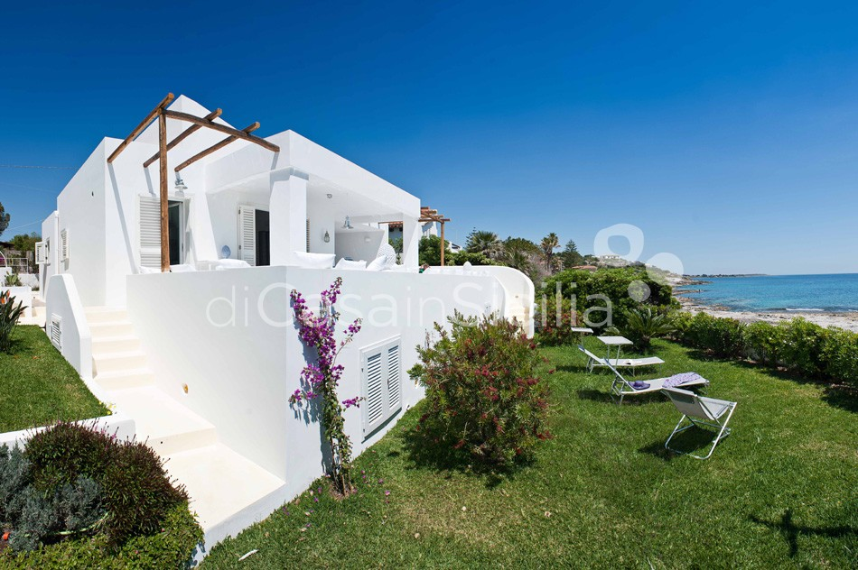 Casa Blu Seafront Villa for rent in Fontane Bianche Sicily - 28