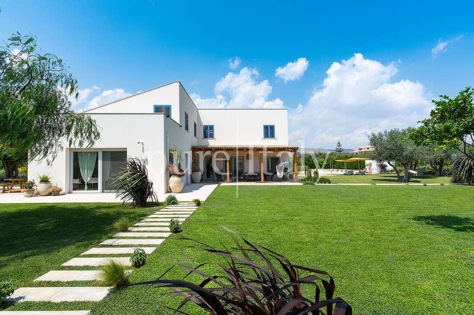 Holiday villas for groups, Sicily's eastern coast |Pure Italy - 18