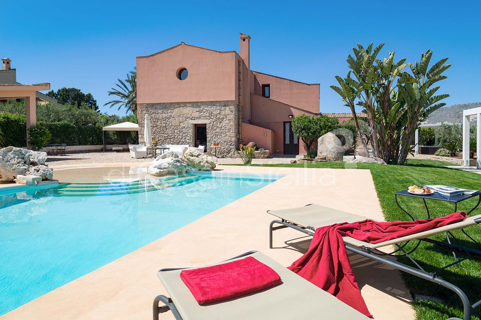Ager Costa Large Luxury Villa with Pool for rent near Trapani Sicily - 12