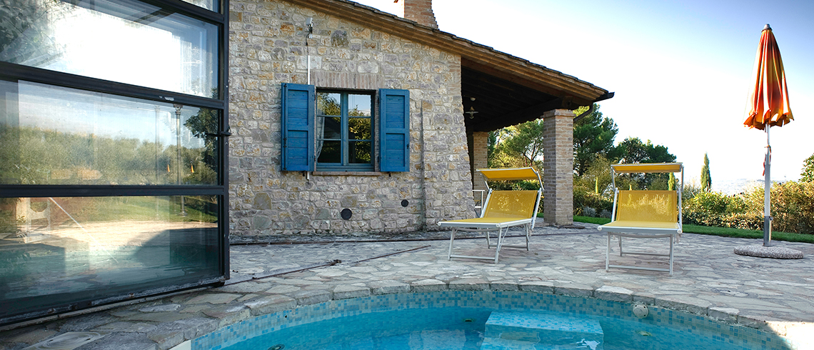 Holiday country homes with Jacuzzi, Umbria | Pure Italy - 1