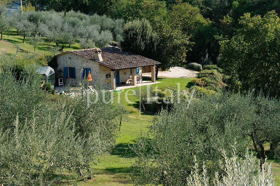Holiday country homes with Jacuzzi, Umbria | Pure Italy - 5