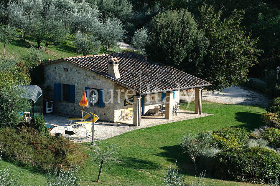 Holiday country homes with Jacuzzi, Umbria | Pure Italy - 6