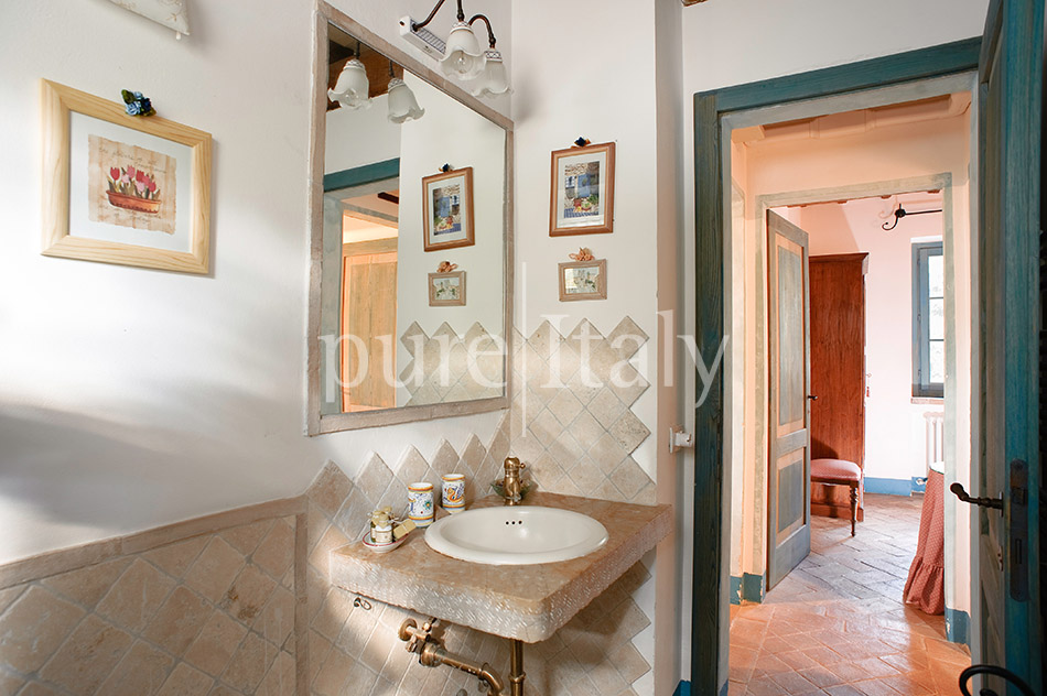Holiday country homes with Jacuzzi, Umbria | Pure Italy - 24