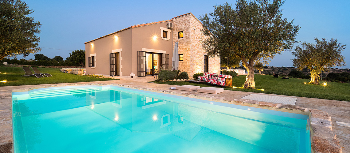 Sunkissed country villas with pool in Ragusa |Di Casa in Sicilia - 0