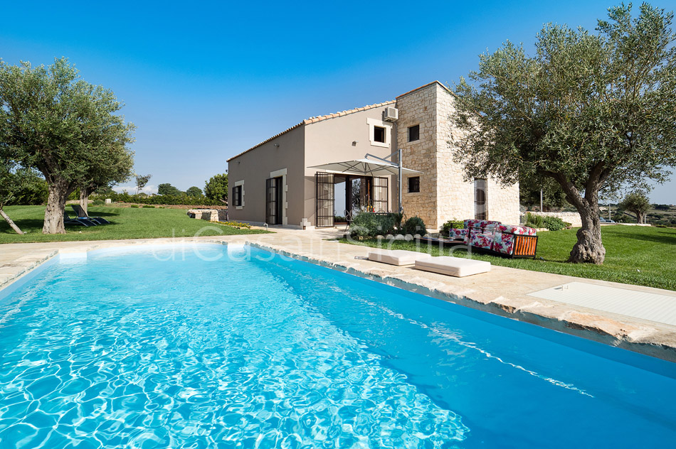 Sunkissed country villas with pool in Ragusa |Di Casa in Sicilia - 8