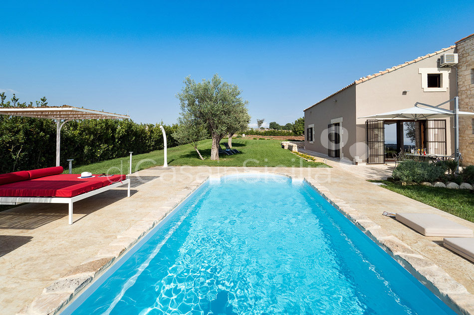 Sunkissed country villas with pool in Ragusa |Di Casa in Sicilia - 9