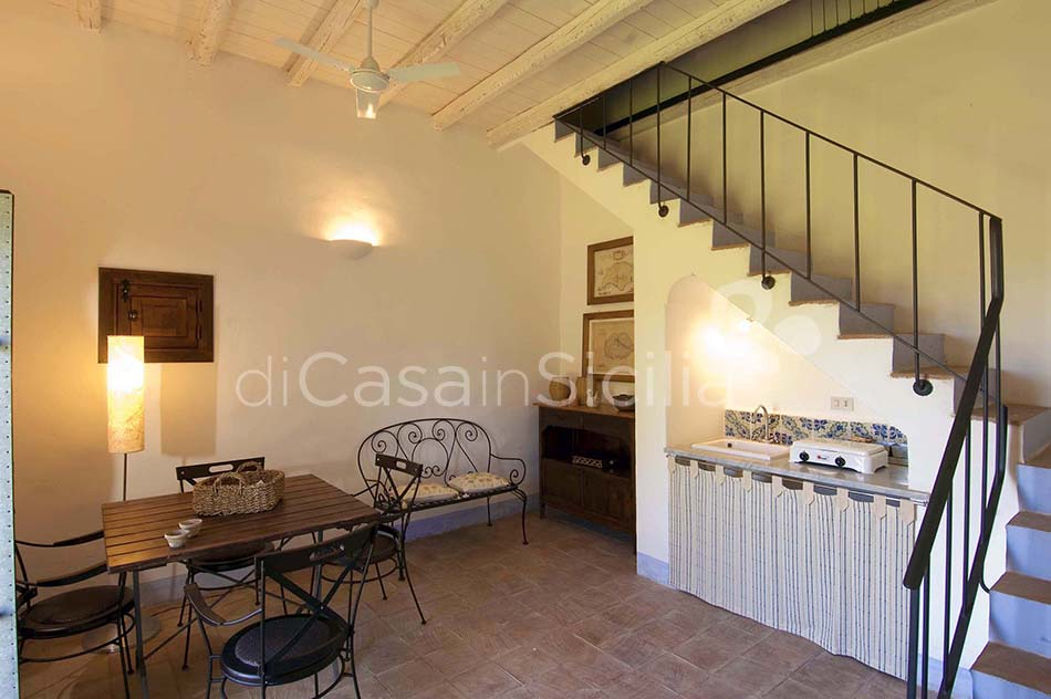 Casale del Ponte Country Villa with Pool for rent near Palermo Sicily - 26