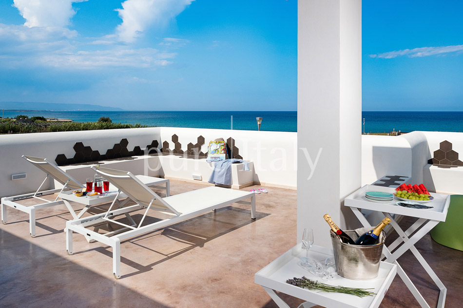 Beachfront villas with pool, Sicily's south-east coast | Pure Italy - 1