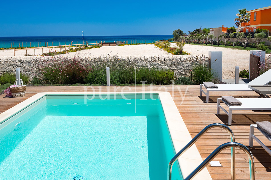 Beachfront villas with pool, Sicily's south-east coast | Pure Italy - 3