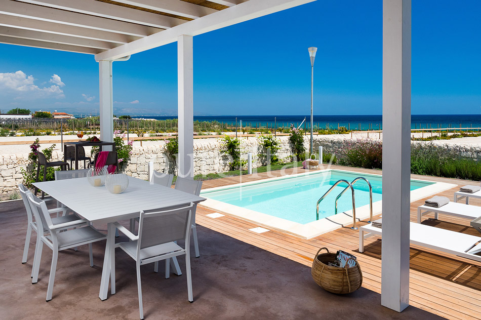 Beachfront villas with pool, Sicily's south-east coast | Pure Italy - 7