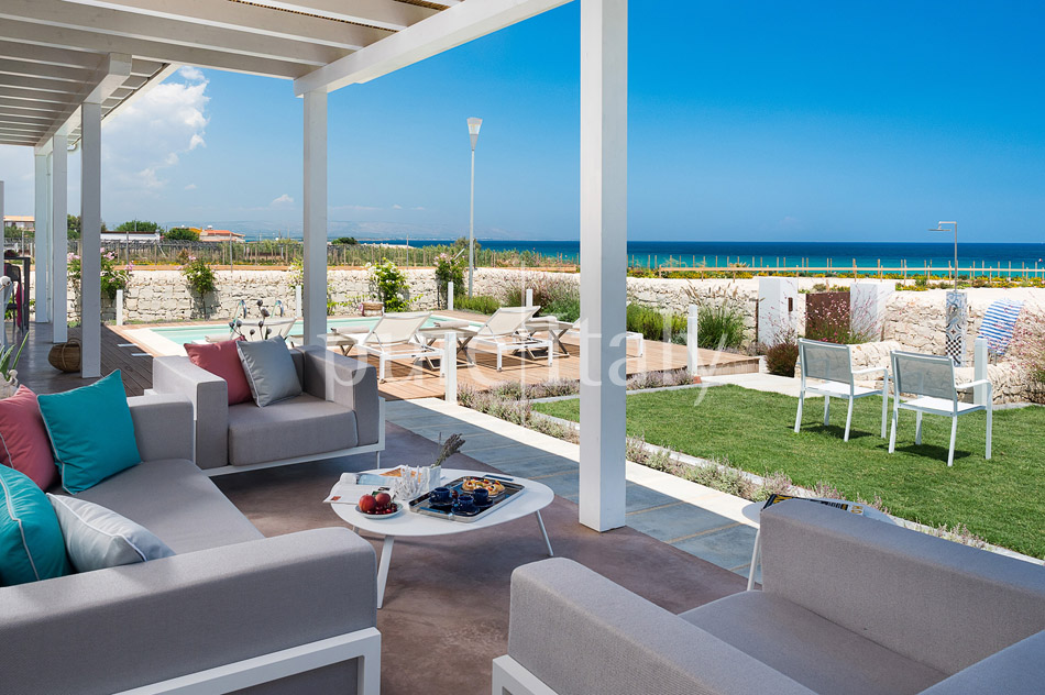 Beachfront villas with pool, Sicily's south-east coast | Pure Italy - 8