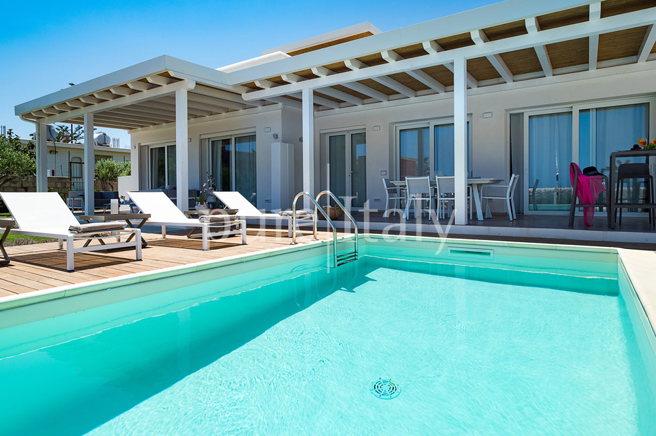 Beachfront villas with pool, Sicily's south-east coast | Pure Italy - 13