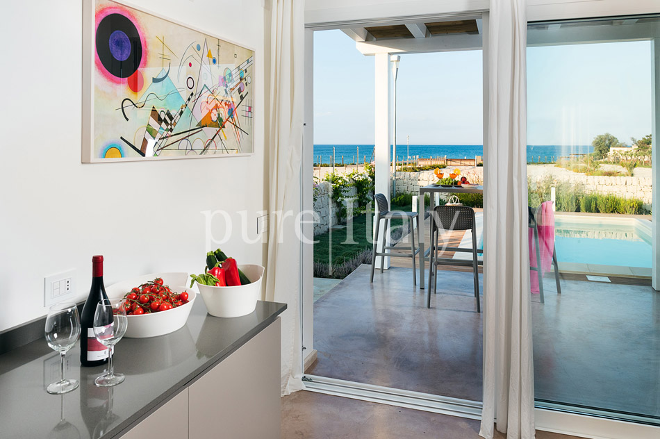 Beachfront villas with pool, Sicily's south-east coast | Pure Italy - 23