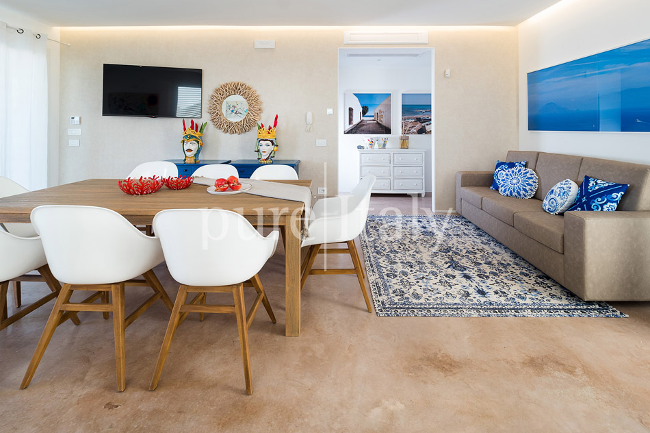 Beachfront villas with pool, Sicily's south-east coast | Pure Italy - 24