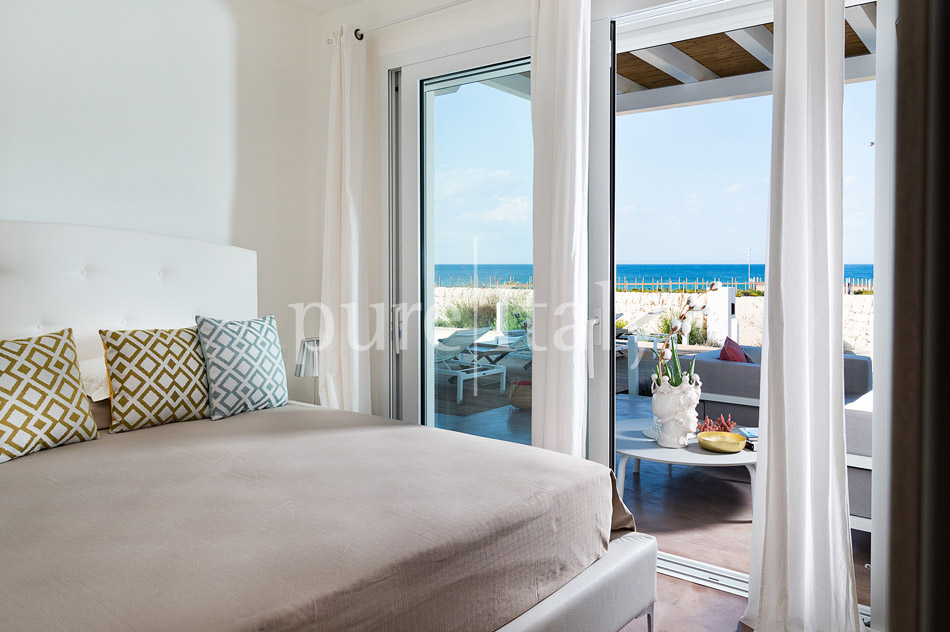Beachfront villas with pool, Sicily's south-east coast | Pure Italy - 27