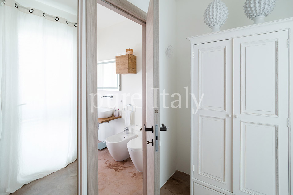 Beachfront villas with pool, Sicily's south-east coast | Pure Italy - 29