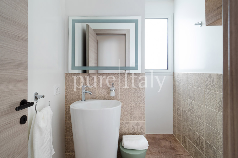 Beachfront villas with pool, Sicily's south-east coast | Pure Italy - 34