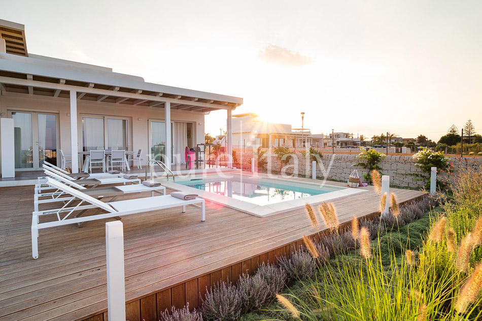Beachfront villas with pool, Sicily's south-east coast | Pure Italy - 40