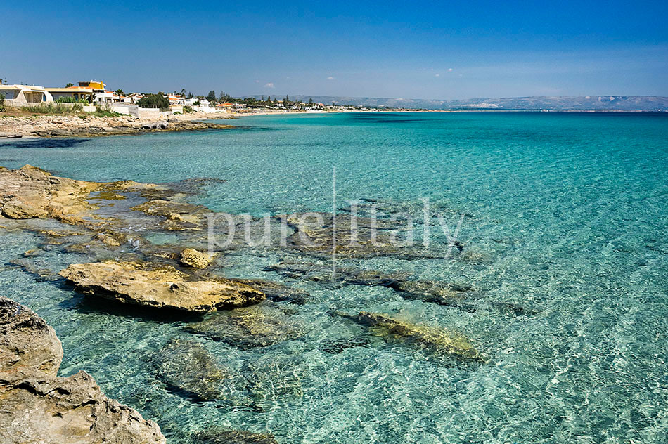 Beachfront villas with pool, Sicily's south-east coast | Pure Italy - 44