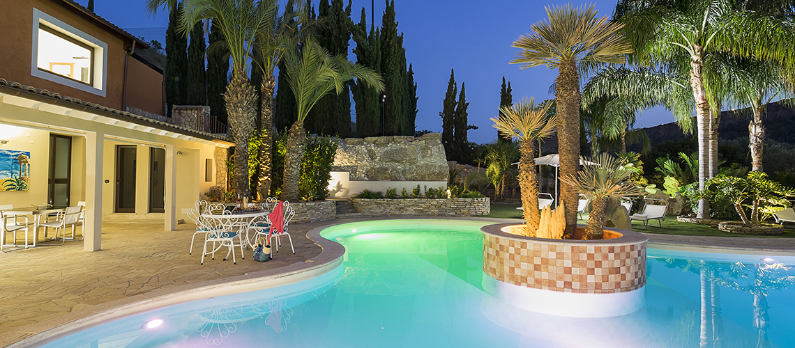 Villas with pool and wellness area, Sicily's south coast|Pure Italy - 0