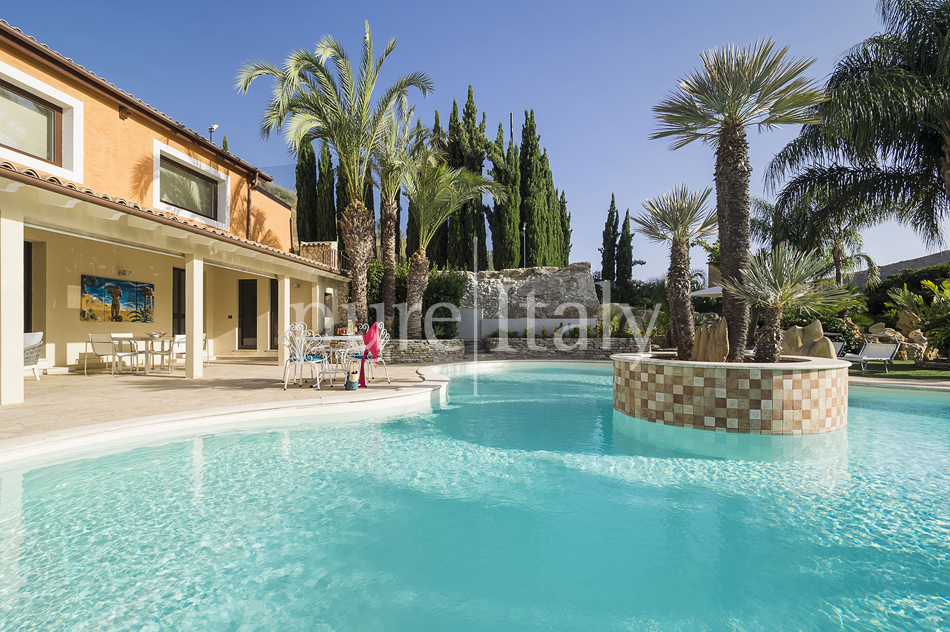 Villas with pool and wellness area, Sicily's south coast|Pure Italy - 9