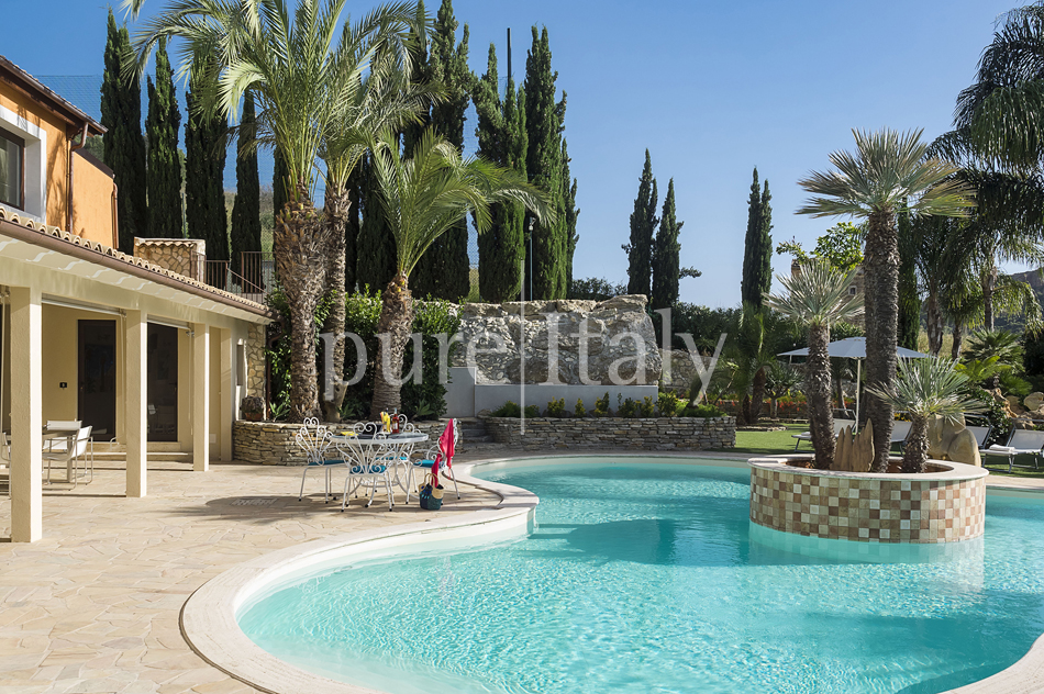 Villas with pool and wellness area, Sicily's south coast|Pure Italy - 10