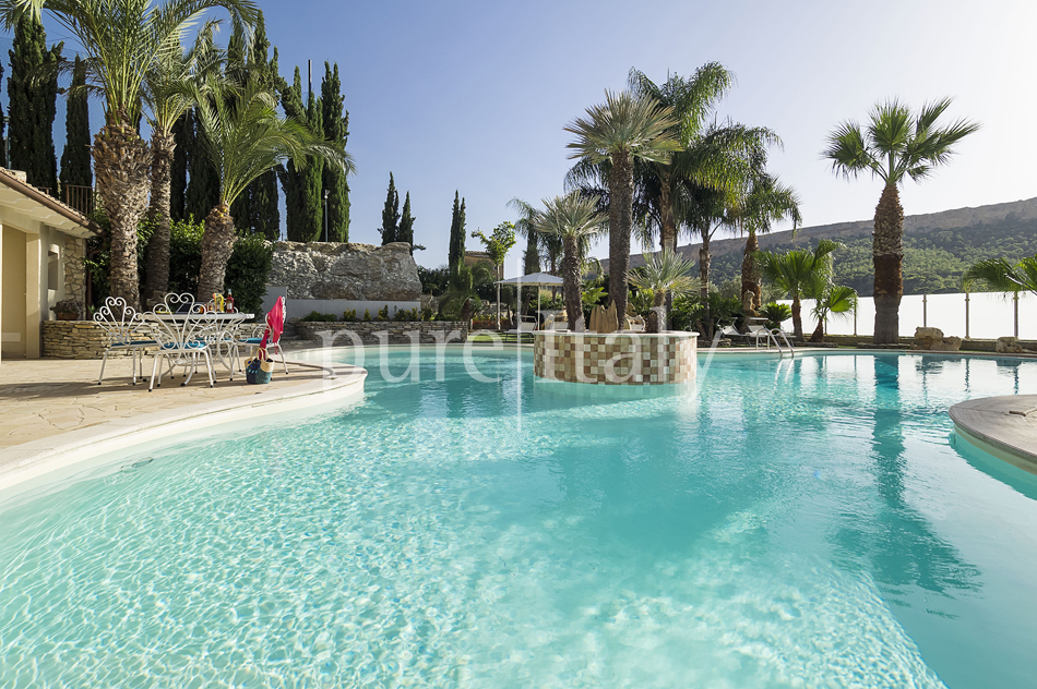 Villas with pool and wellness area, Sicily's south coast|Pure Italy - 11