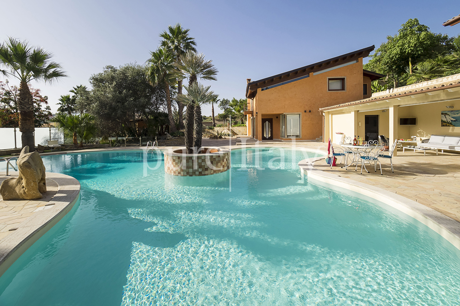 Villas with pool and wellness area, Sicily's south coast|Pure Italy - 12
