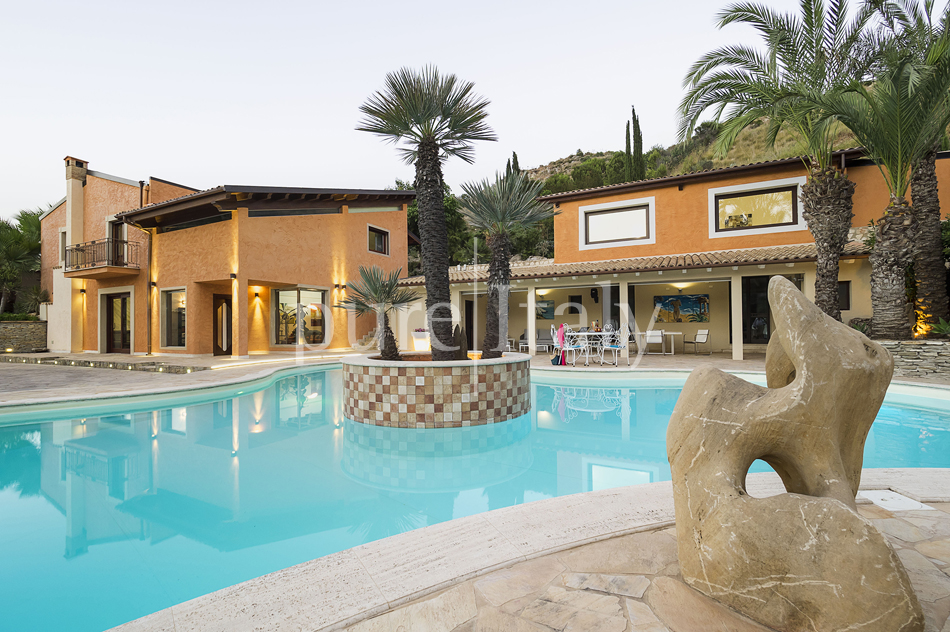 Villas with pool and wellness area, Sicily's south coast|Pure Italy - 65