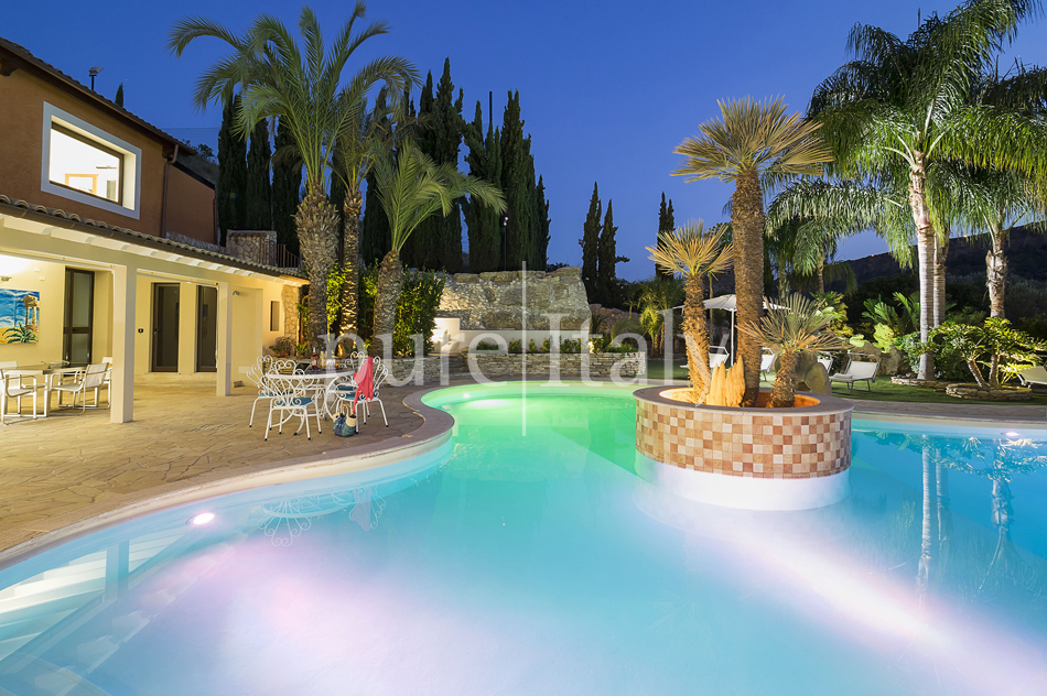 Villas with pool and wellness area, Sicily's south coast|Pure Italy - 67