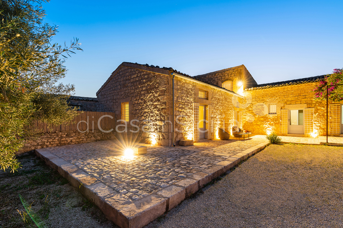 Dimora Pura Familienvilla mit Infinity Pool zur Miete Scicli Sizilien - 30