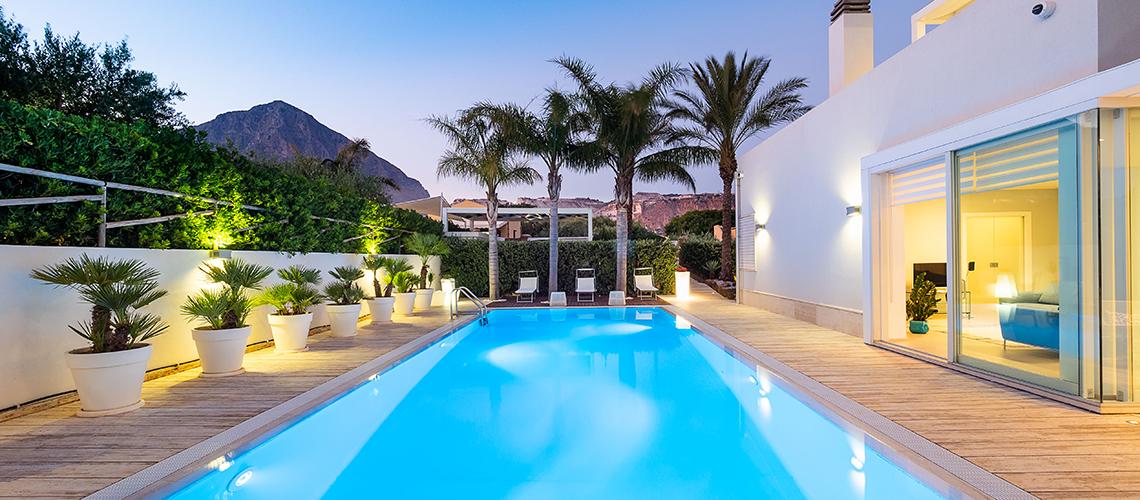 Villa Bellini Designer Villa zur Miete mit Pool in Cornino Sizilien - 48