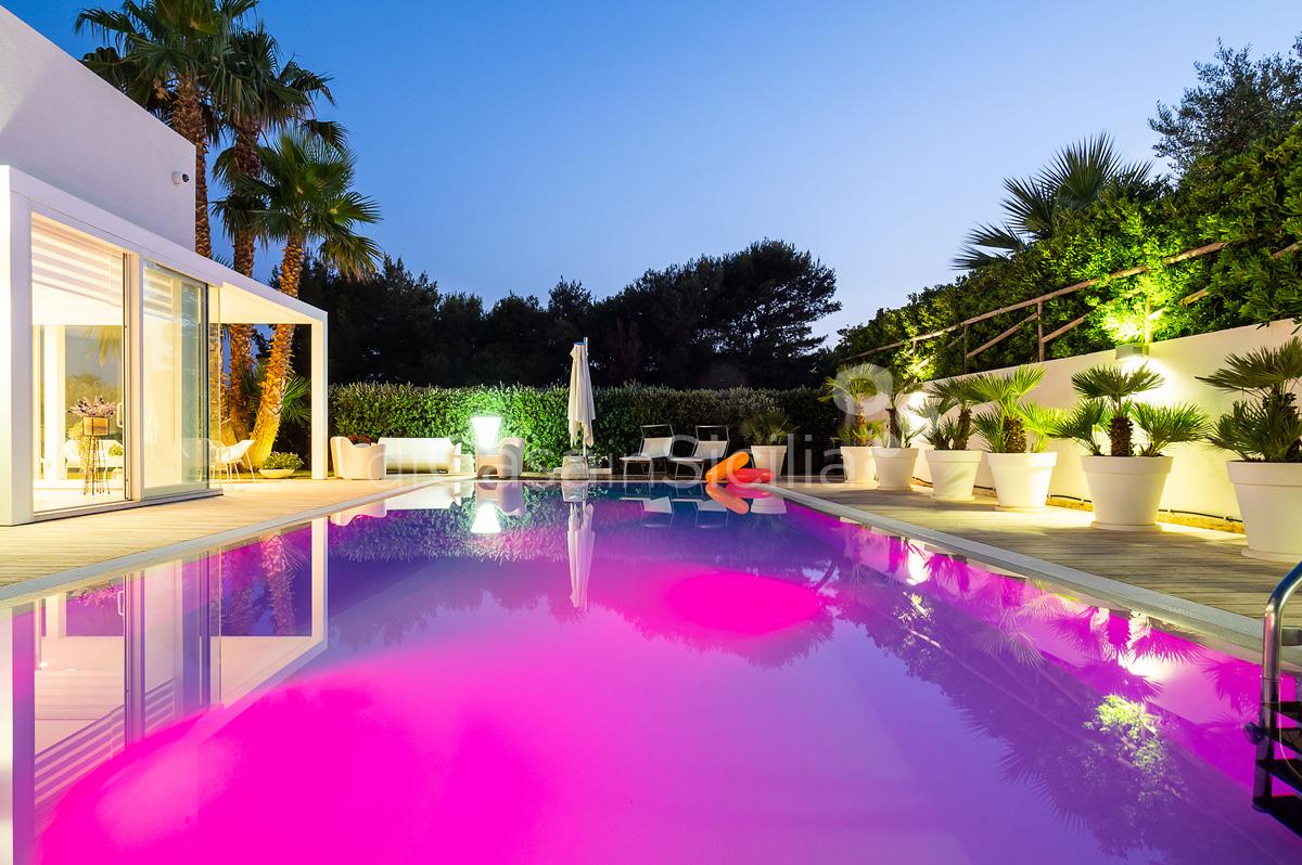 Villa Bellini Designer Villa zur Miete mit Pool in Cornino Sizilien - 4