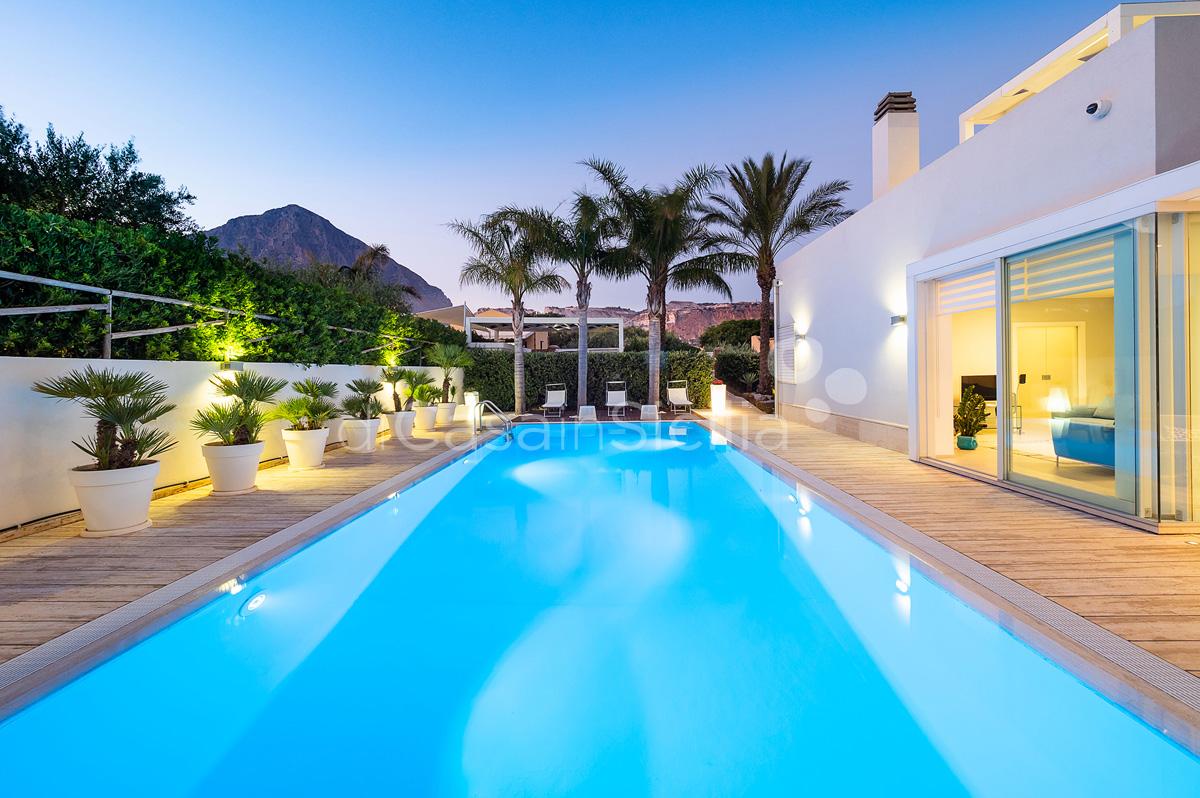 Villa Bellini Designer Villa zur Miete mit Pool in Cornino Sizilien - 6