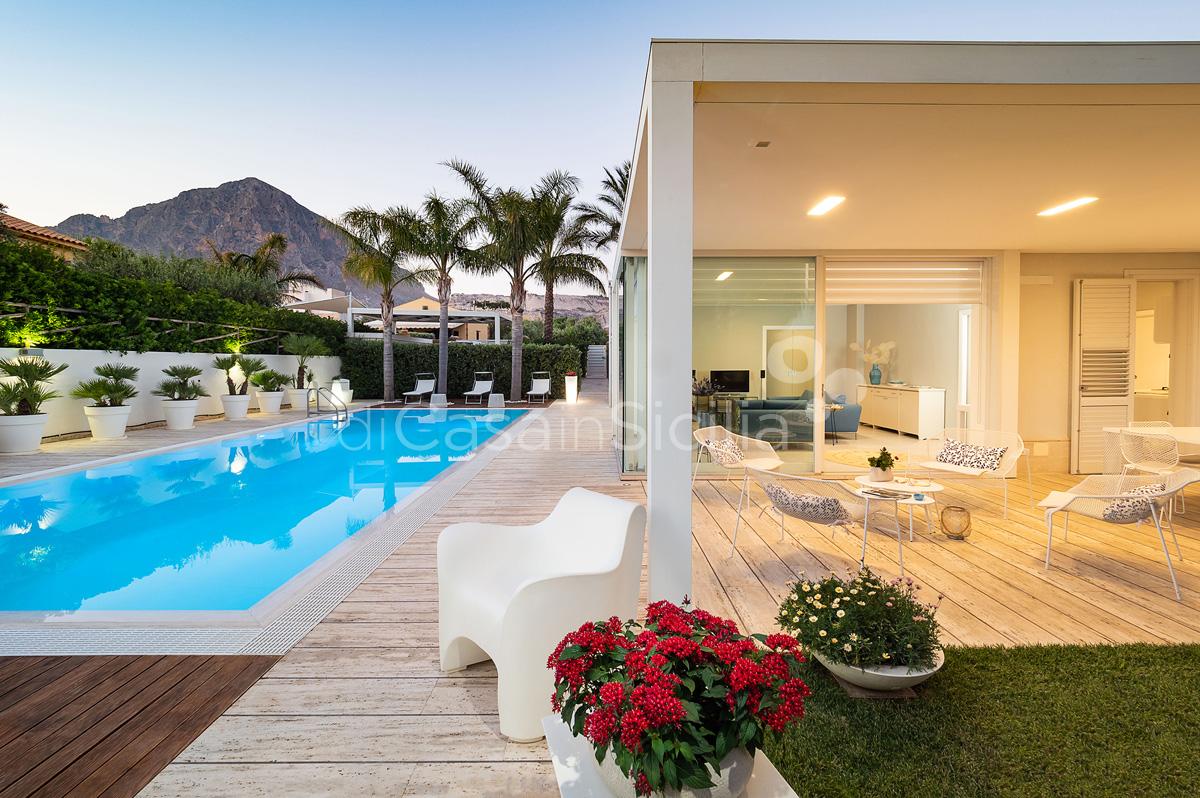 Villa Bellini Designer Villa zur Miete mit Pool in Cornino Sizilien - 7