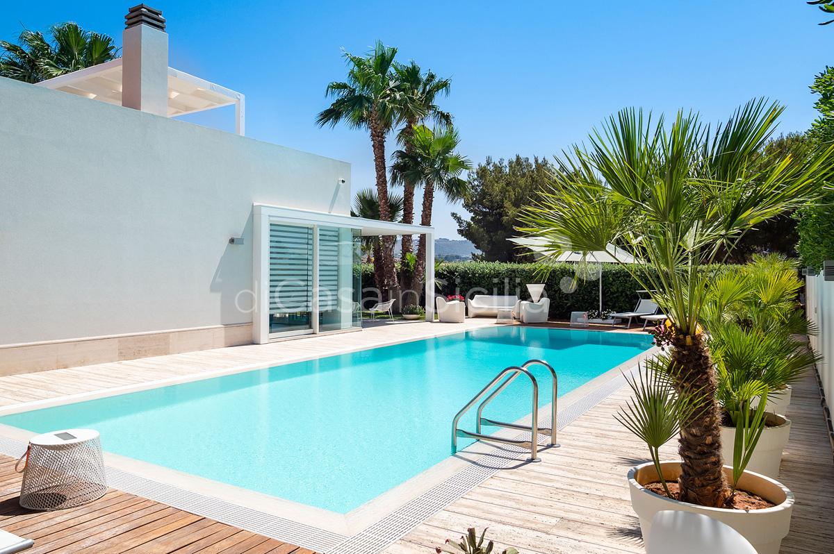 Villa Bellini Designer Villa zur Miete mit Pool in Cornino Sizilien - 10