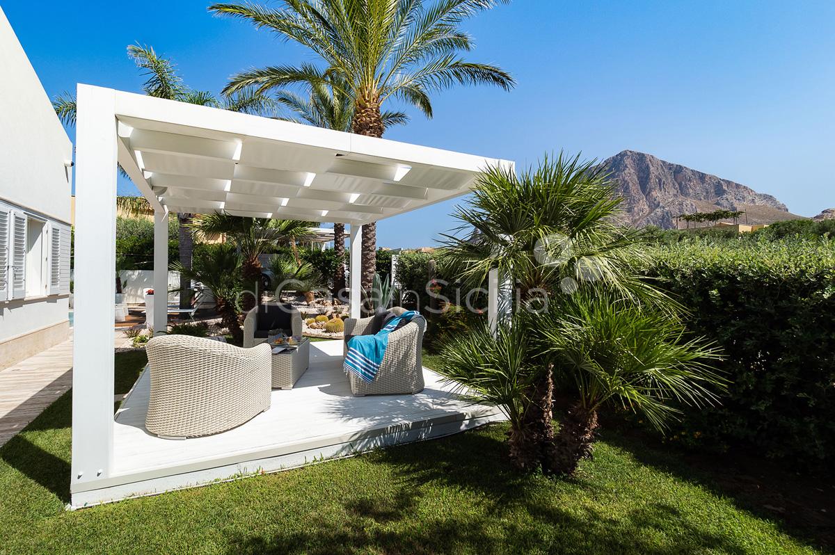 Villa Bellini Designer Villa zur Miete mit Pool in Cornino Sizilien - 12