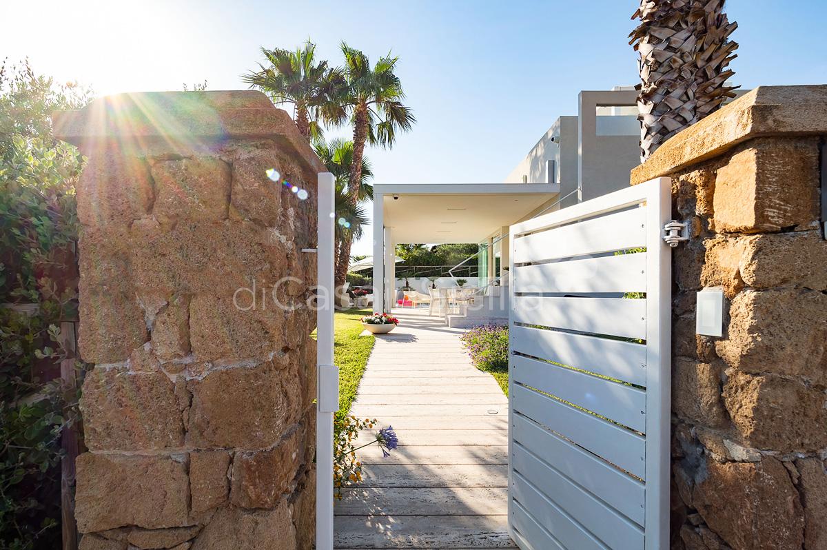 Villa Bellini Designer Villa zur Miete mit Pool in Cornino Sizilien - 16