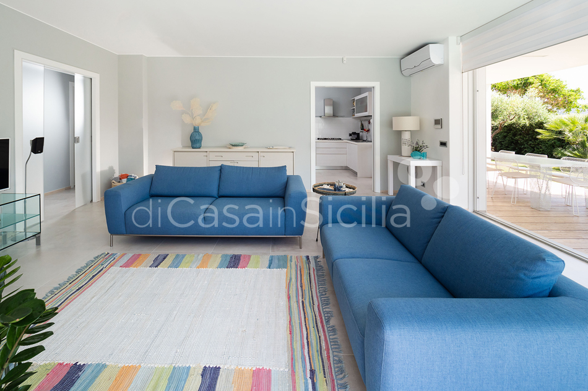 Villa Bellini Designer Villa zur Miete mit Pool in Cornino Sizilien - 25